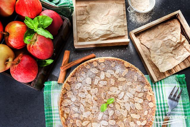 szarlotka sypana, jabłecznik sypany, proste ciasto jabłkowe, ciasto z jabłkami, wypieki z jabłkami, ciasto z otrębami, ciasto z kaszą manną, kraina miodem płynąca