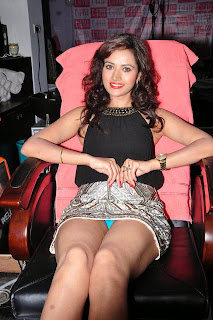 Preeti+Rana+New++Pictures,Telugu+Actress+Preeti+Rana+Thigh+Show+Pictures.jpg