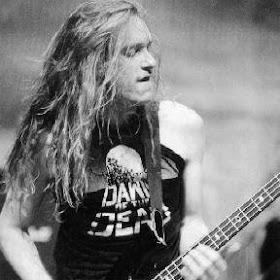 Pemain Bass