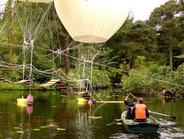 Ponte suspensa por balões de hélio