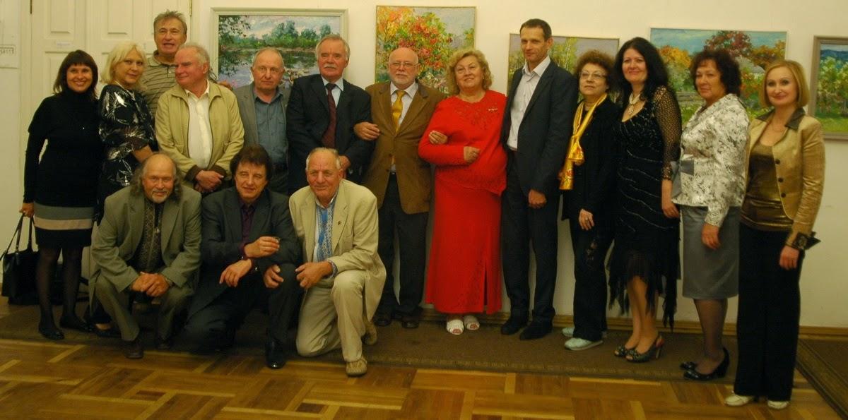 поэт Михаил Шевченко (шестой слева)