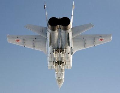 Mig-31 Foxhound bersenjata