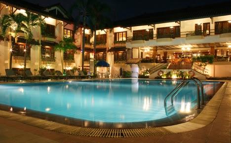 Jogjakarta plaza hotel yogyakarta city guide for Jogja plaza hotel swimming pool