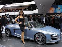 Audi R8 GT girl