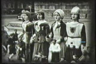 Brugse reuzen op de Burg in 1957 vlnr.: Gravin d'Essar (1947), Portos (1948), Moeder Louise (1950) en Robrecht van Bethune (1954)
