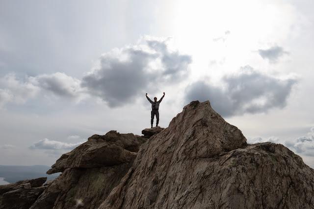 На самой вершине хребта Зюраткуль