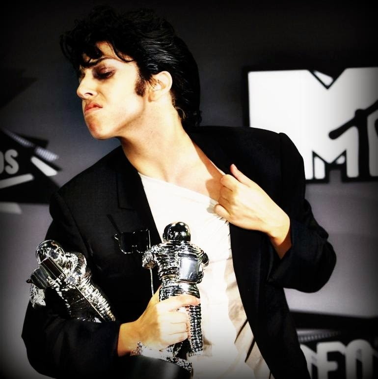 Lady Gaga at VMA awards in drag as Jo Calderone