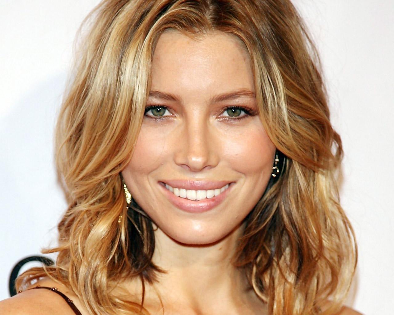 http://4.bp.blogspot.com/-JNCsCRAsygk/T6J70nQwYMI/AAAAAAAAKHM/wRt_N11vK9g/s1600/Jessica-jessica-biel-134885_1280_1024.jpg