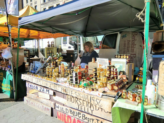 Green market - Union Square - New-York - honey