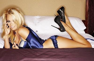 секси знаменитости по бельо