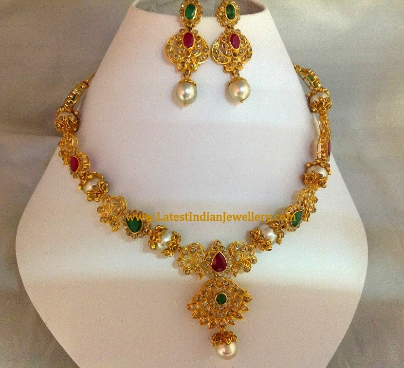 Uncut Necklace Set with South Pearls