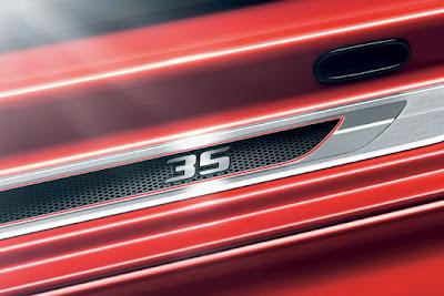 2011-Volkswagen-Golf-GTI-Edition-35-Symbols-35