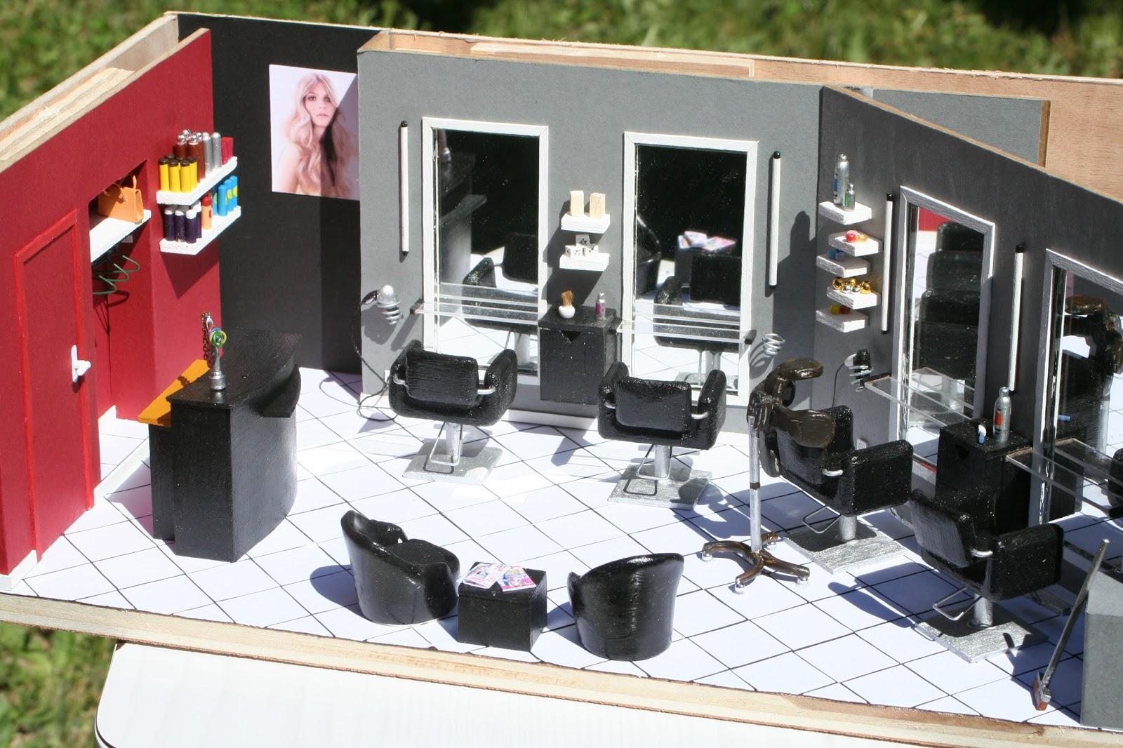 Le petit monde des vitrines 44 le salon de coiffure - Le salon de coiffure ...