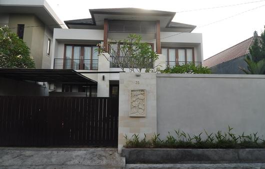 Kontraktor di Bali