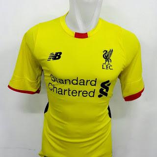 gambar desan terbaru musim depan hoto kamera Jersey kiper Liverpool warna kuning terbaru musim 2015/2016 di enkosa sport too online jersey bola terpercaya