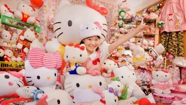 Cô Gái Nhật Mê Hello Kitty