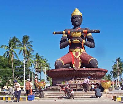 Battambang Khmer King statue