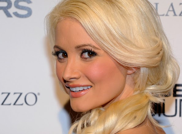 Holly madison nue blog