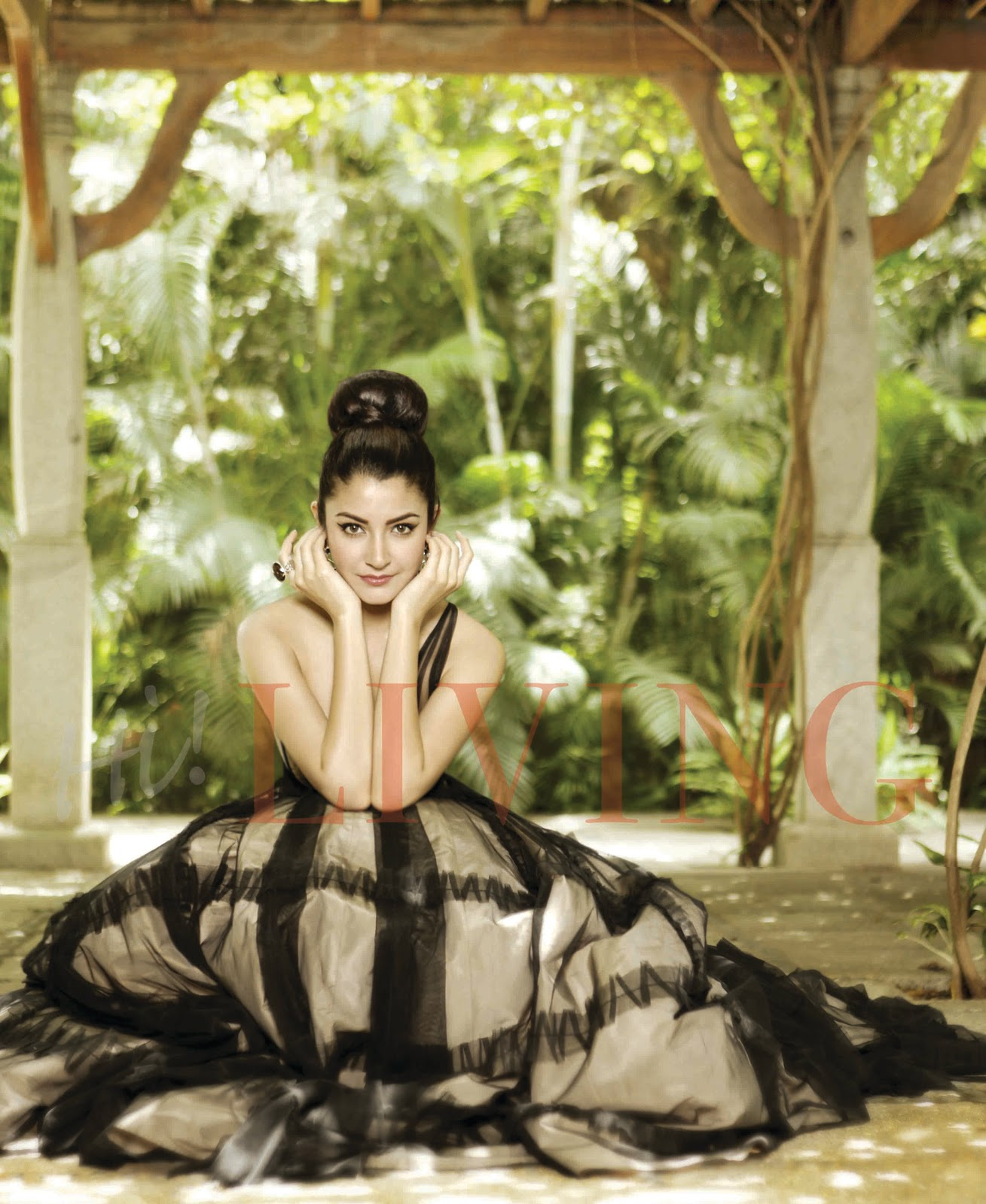 Anushka-Sharma-For-Hi-LIVING-Magazine-Cover-Stills-5
