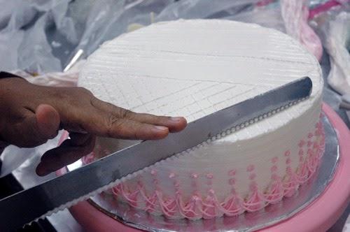 Tips Menghias Kue Ulang Tahun Dengan Butter Cream