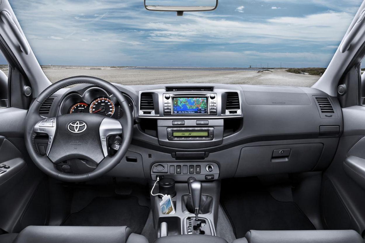Toyota hilux 2012 interior