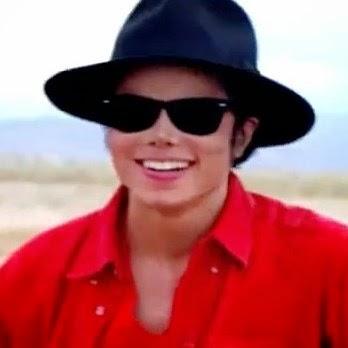 A canção faz parte do álbum póstumo do cantor, XScape, lançado em maio deste ano. Michael morreu em junho de 2009