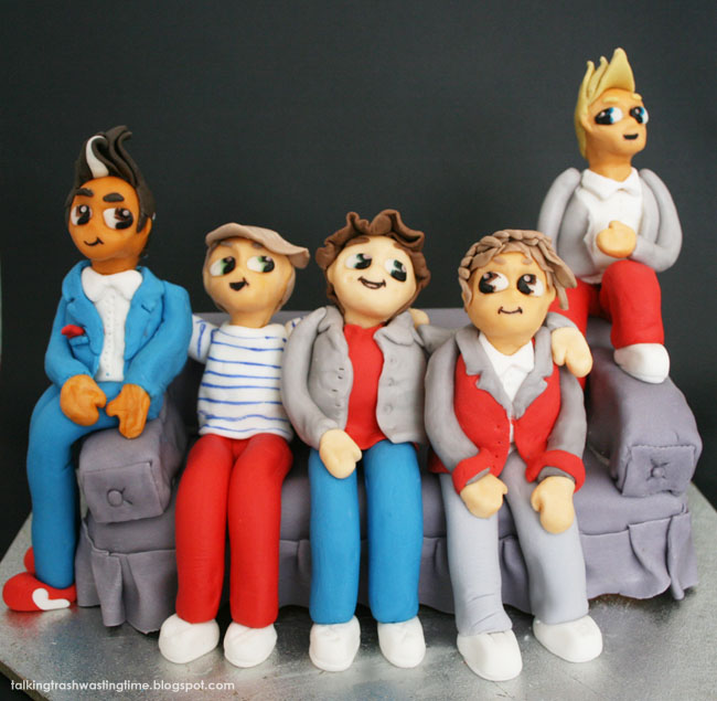 One Direction birthday cake - bits sitting on couch, fondant figures