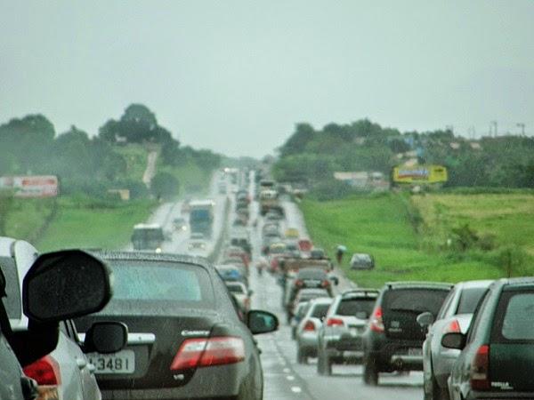Polícia Rodoviária encontra 2 Kg de maconha em veículo na Via Lagos RJ