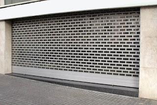 Instalación y reparación de persianas para comercios