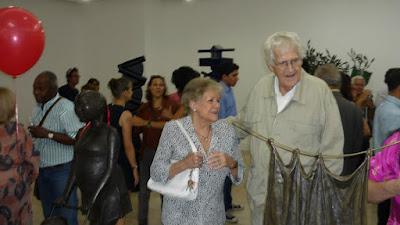 Cornelis Zitman en la Exposición Escultura Escultores de la Galería de Arte Ascaso. Fotografía Gladys Calzadilla