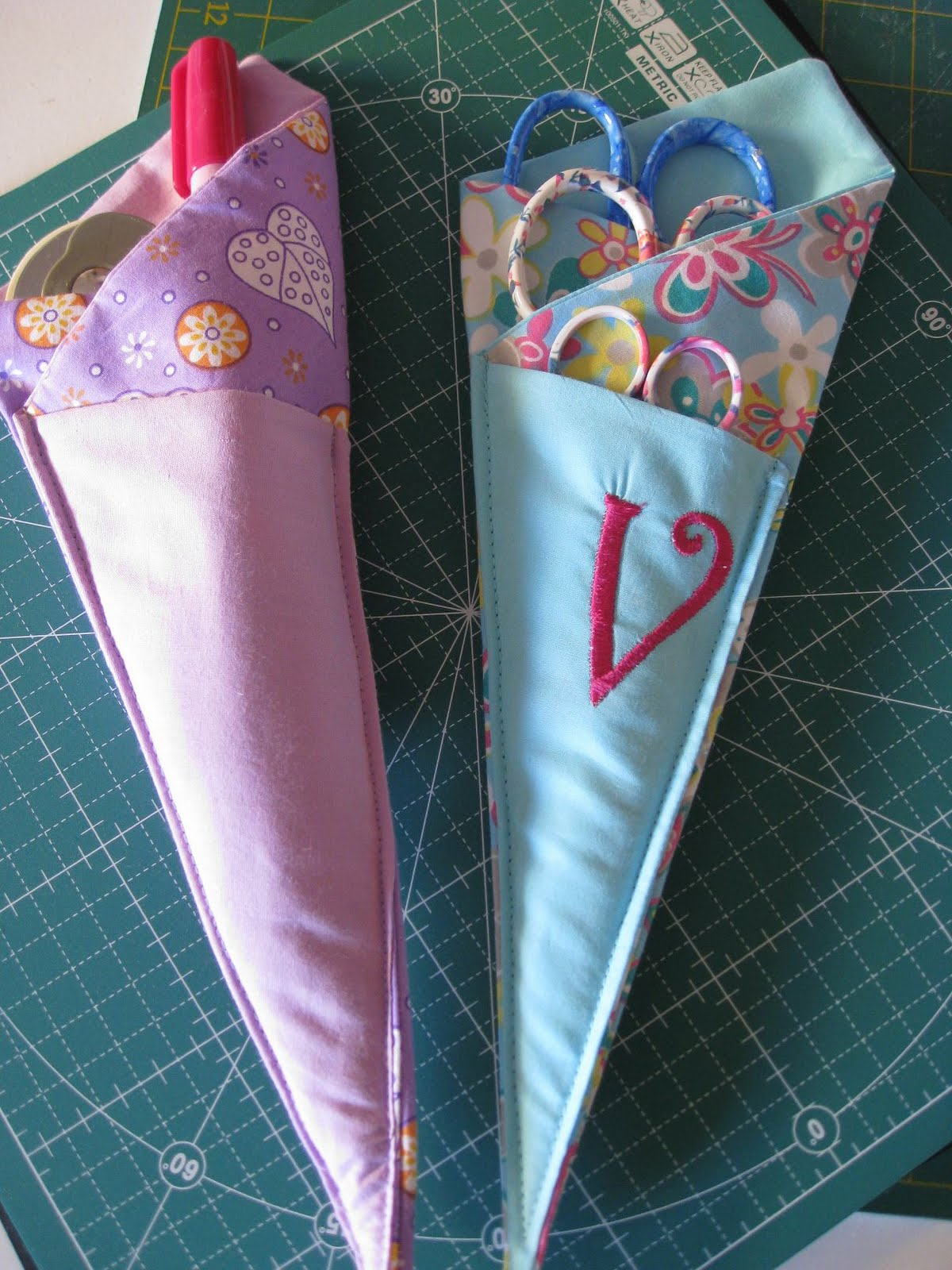 Vickis Fabric Creations Folded Fabric Scissor Holder Tutorial
