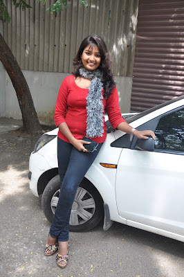 sun tv anchor suguna new spicy in red dress unseen pics