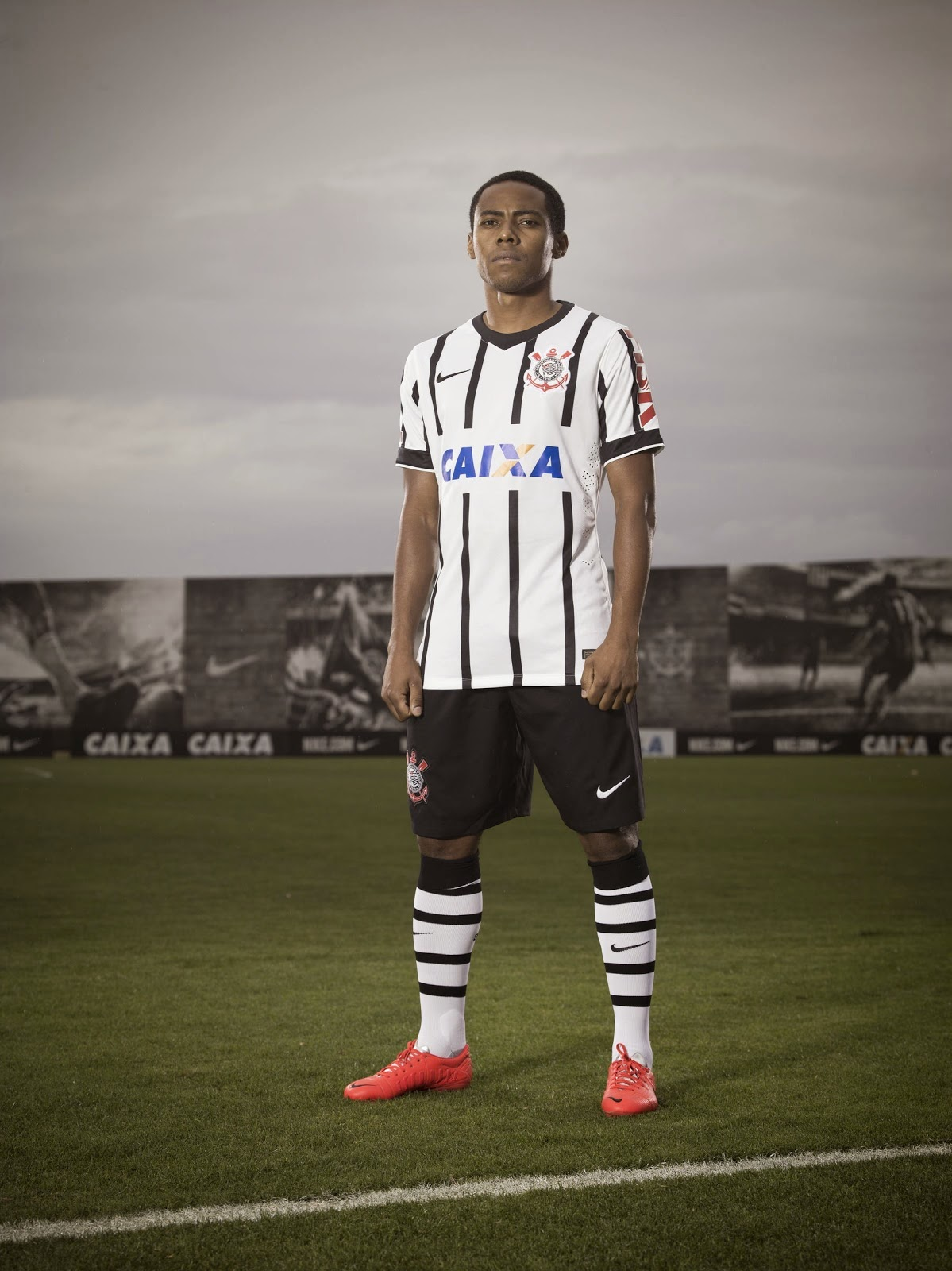 http://4.bp.blogspot.com/-JPVjySvM_44/U9PTx9dTbqI/AAAAAAAAKLs/q6RCONWTcmM/s1600/Corinthians-14-15-Home-Kit-Nike+(2).jpg