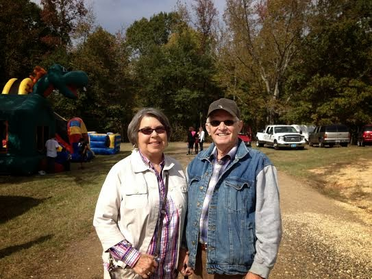 Saline River Chronicle News: Buck Fever Sweeps Banks and Draws Crowd