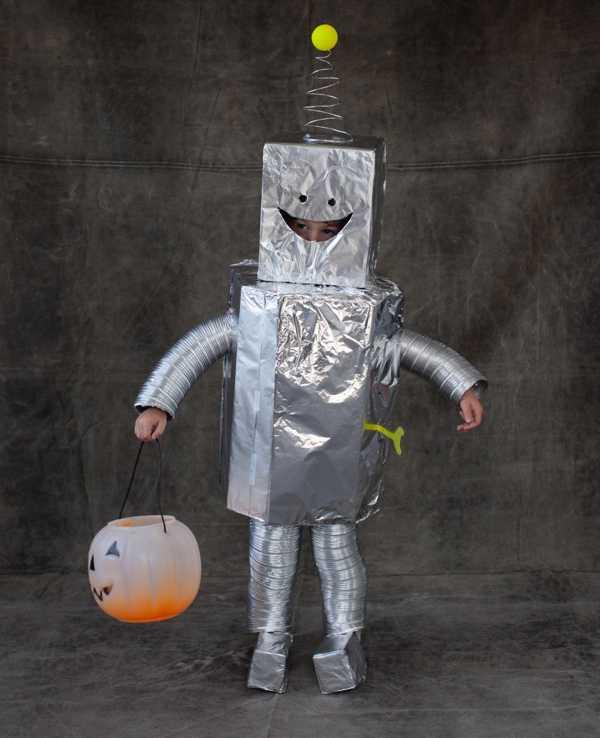 Disfraces con material reciclado de robot - Imagui