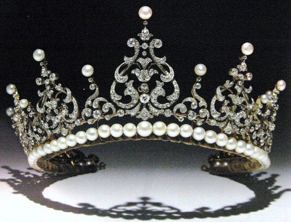 Marie Poutine S Jewels Amp Royals Pearl And Diamond Diadems