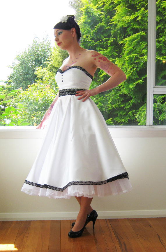 The pin up wedding dress bridal fashion for Wedding dresses pin up style