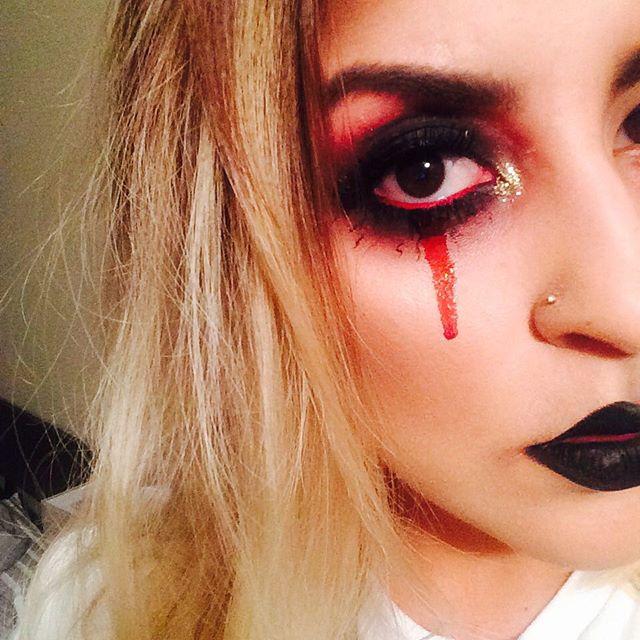 vampira make up