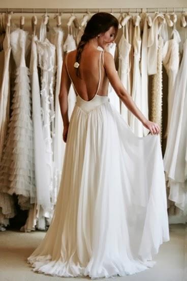 robe de mariee dos nu avec des bretelles fines