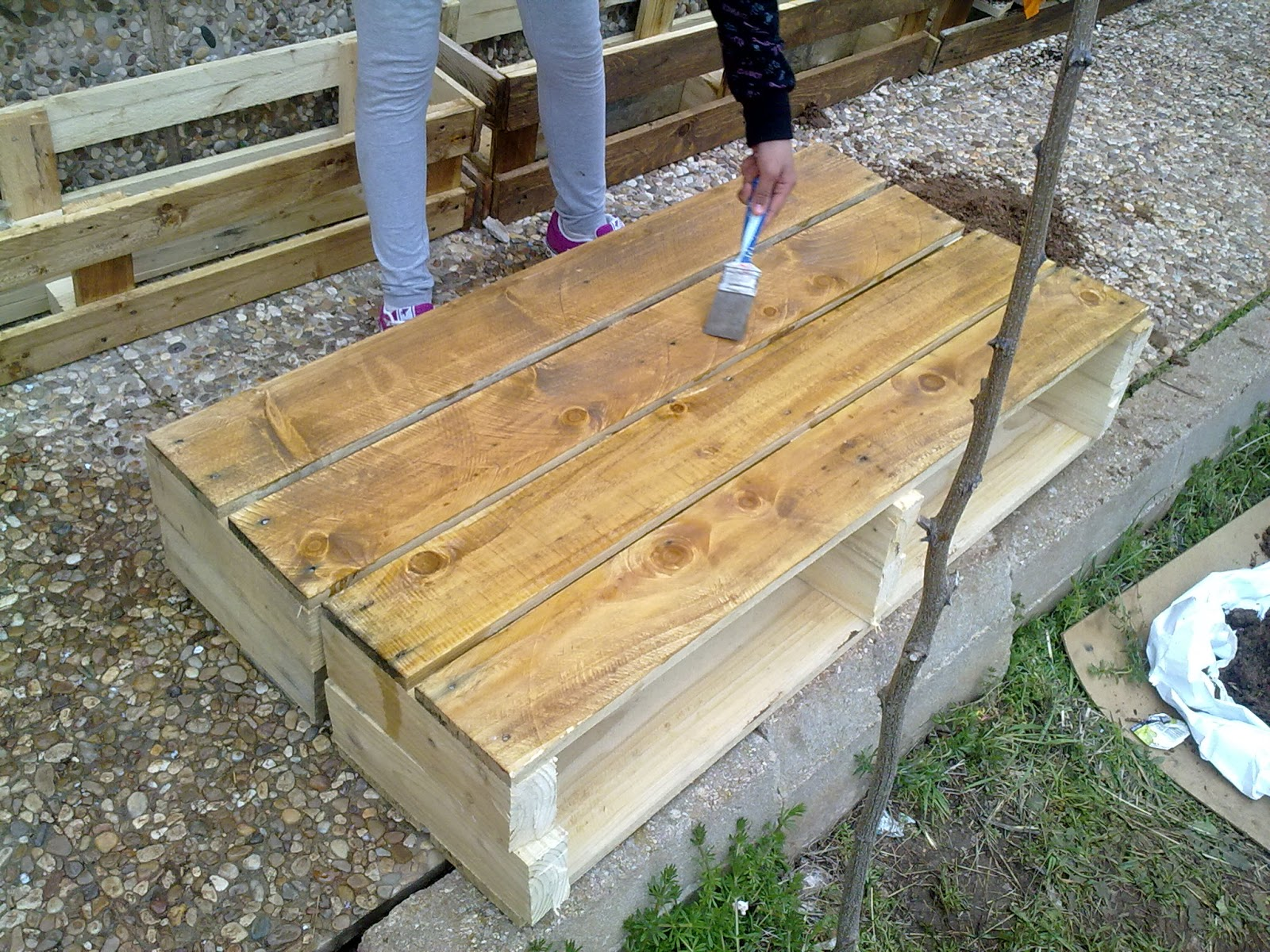 Huertogiraldo jardineras de madera for Jardineras verticales de madera