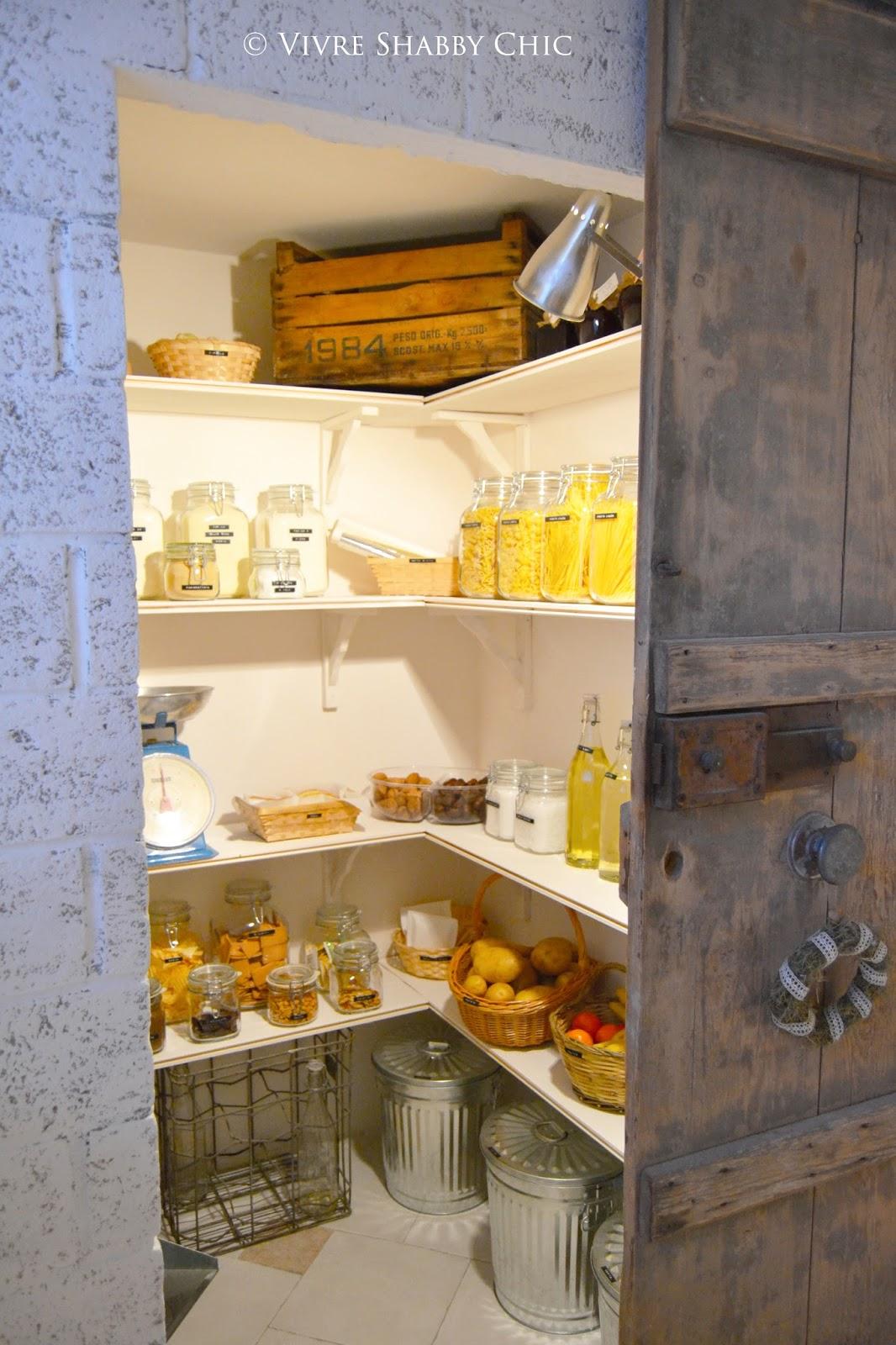 Vivre Shabby Chic: La Mia Pantry Room: Una Dispensa Organizzata. #B47A18 1066 1600 Misure Standard Sala Da Pranzo