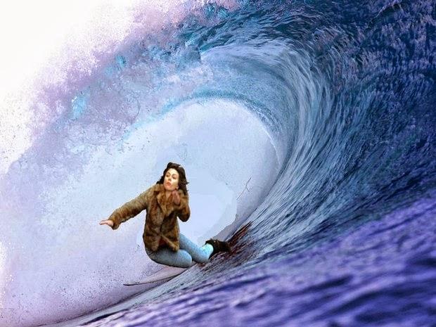 Scarlett Johansson Falling Down 2
