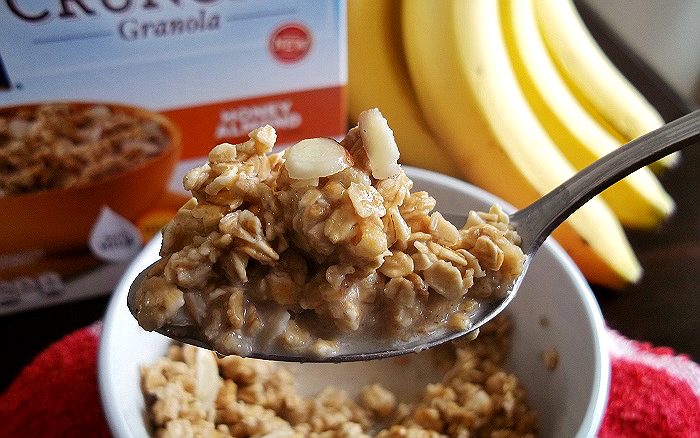 Quaker Warm and Crunchy Honey Almond Granola Breakfast