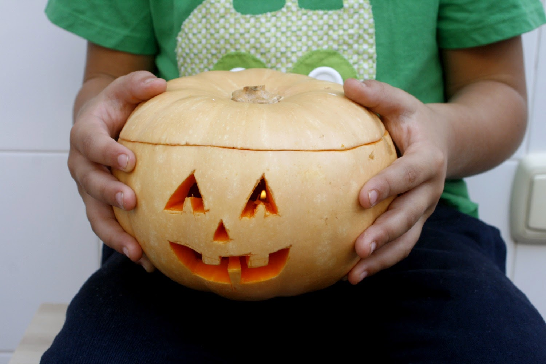Con fondant por favor tutorial decorar una calabaza para halloween - Decorar una calabaza de halloween ...
