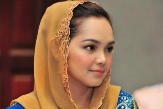 Siti Nurhaliza - Lelaki (Warkah Seorang Anak) MP3