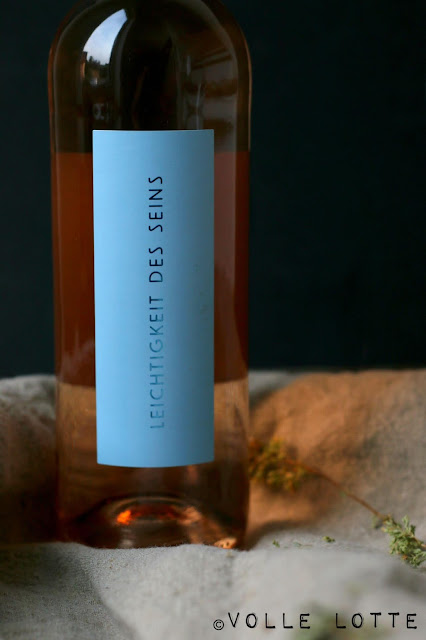 Tirol, Kufstein, Glas, Manufaktur, maschinell, hergestellt, Weinglas, Roséglas, Leichtigkeit des Sein, Roséweine