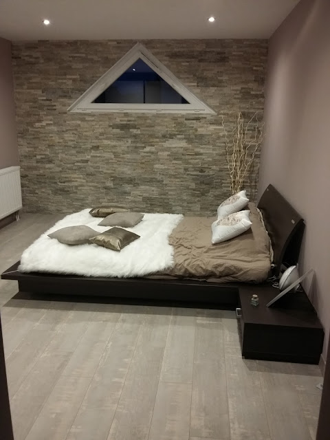 amenagement décoration chambre zen design contemporain nature cocon beige taupe marron wengé bois parement pierre naturel beige plan dressing