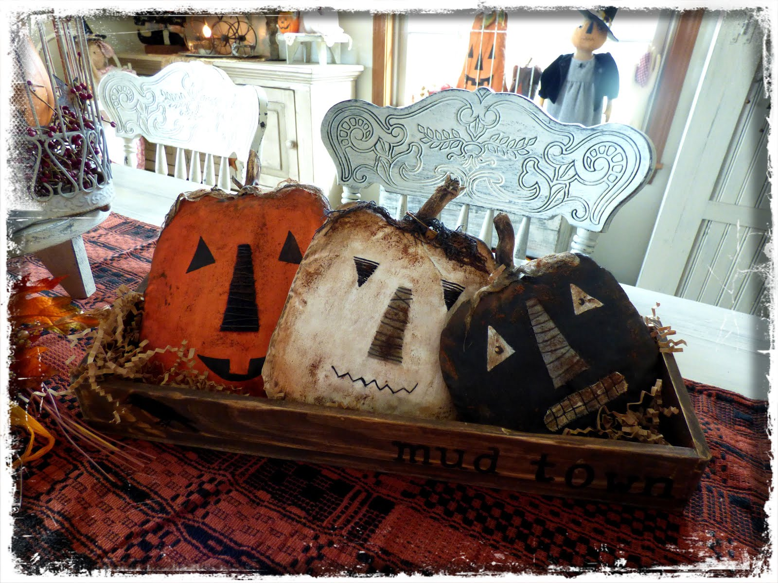 Pumpkins in a Mudtown Box