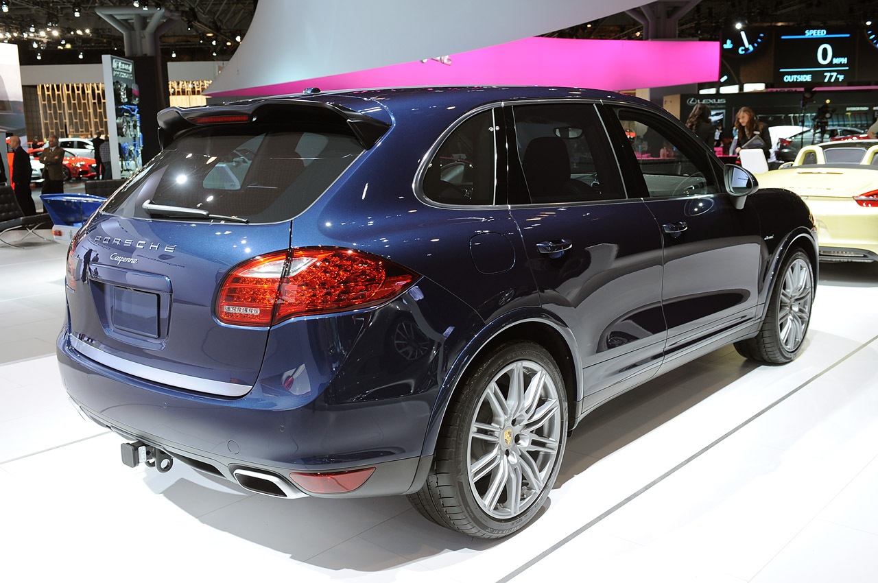 automania 2013 porsche cayenne diesel launched in the u s. Black Bedroom Furniture Sets. Home Design Ideas