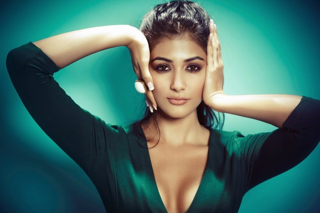 Pooja Hegde Latest Sizzling Portfolio Photos Gallery